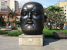 Colombia-Pittura e scultura-Cabeza-Plaza Botero