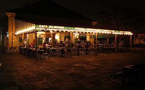 Café du Monde - Night view of Cafe du Monde