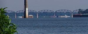 Cairo Rail Bridge - Image: Cairo Ohio River Bridge P6190072 crop