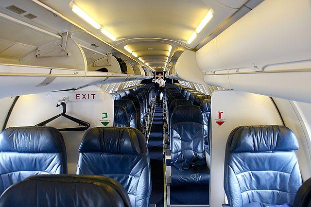 File Canadair Cl 600 2c10 Regional Jet Crj 700 United