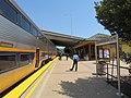 Capitol Corridor train stopped at Suisun–Fairfield station, May 2019.JPG