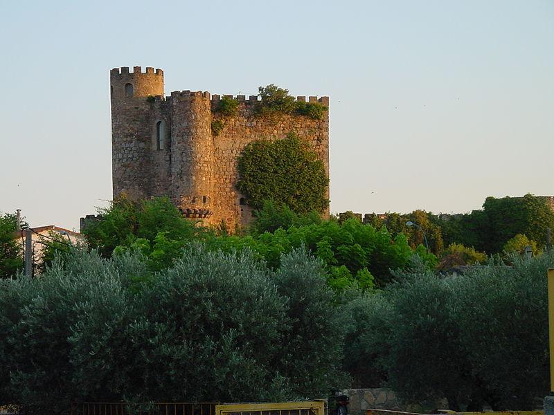 File:Castillo San Martín de Valdeiglesias.jpg