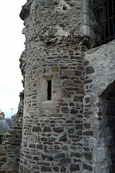 Ruines du château de fr:la Haye-du-Puits