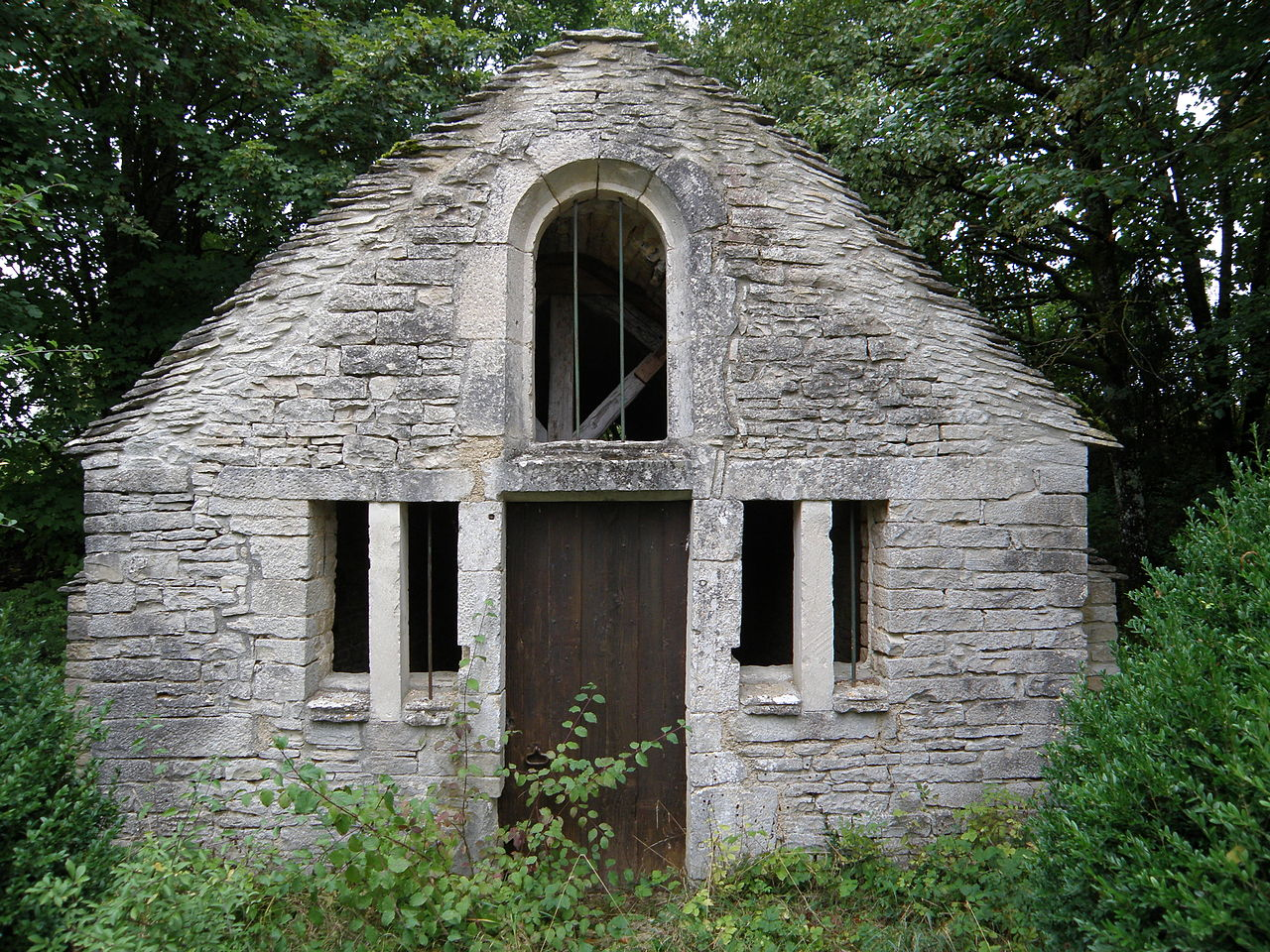 Chapelle Sainte-Claire des Riceys01.JPG