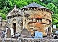Chapelle du cimetière de Chambon-sur-Lac.jpg