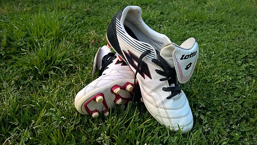 Chaussures de Foot Lotto Viaouest