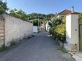 Chemin de la Pâtissière (Beynost) depuis le bas.jpg
