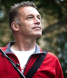 Chris Packham, People's Walk for Wildlife 2018 (44125363624) (cropped).jpg