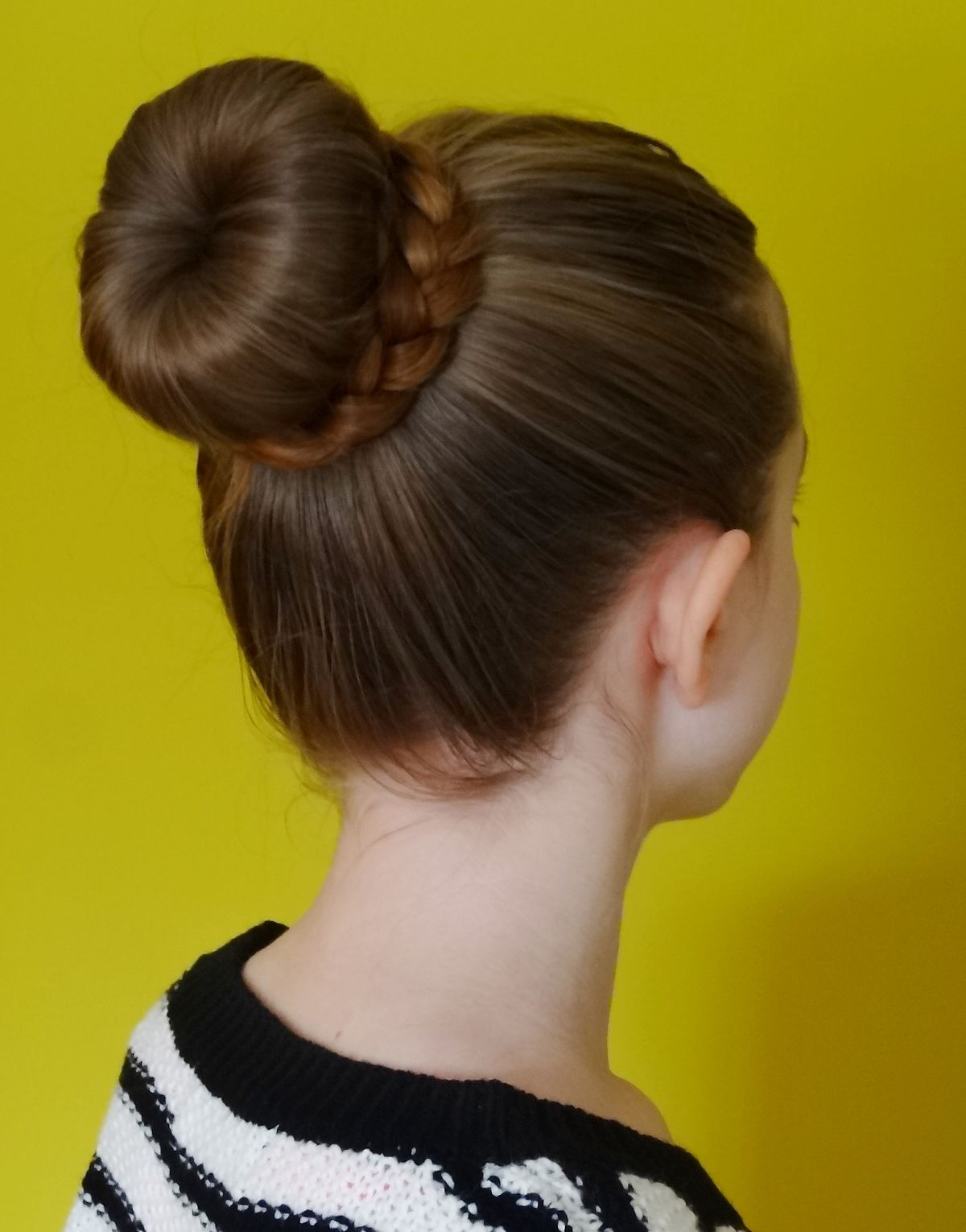 Bun (hairstyle) - Wikipedia