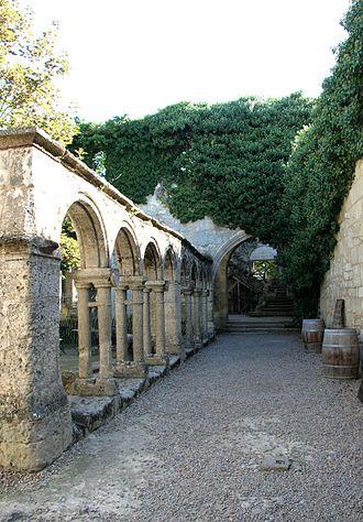 Cordeliers Cloister (Saint-Emilion) - Vue on the cloister