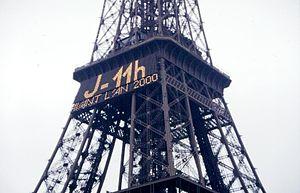 Millennium celebrations - Millennium countdown on the Eiffel Tower, Paris