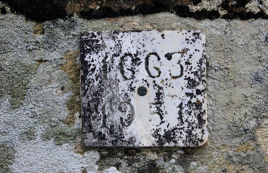 Croix du chemin de Coëtcandec: dates de 1663 et de 1951