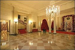 White House Entrance Hall At Christmastime During George W. Bushu0027s  Administration With The Grand Staircase On The Left.