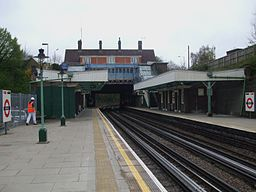 Croxley station look south2