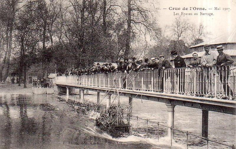 Fichier:Crue 1907 barrage.JPG