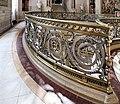 Détail de la rampe de l'escalier principal, château de Chantilly.jpg