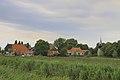 Daar ligt Gaast, gezien vanaf De Zeedijk, in Friesland.jpg