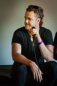 Dan Reynolds - Ilosaarirock 2013 4.jpg