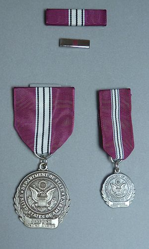 Superior Honor Award - Image: Do S Superior Honor Award Medal Set