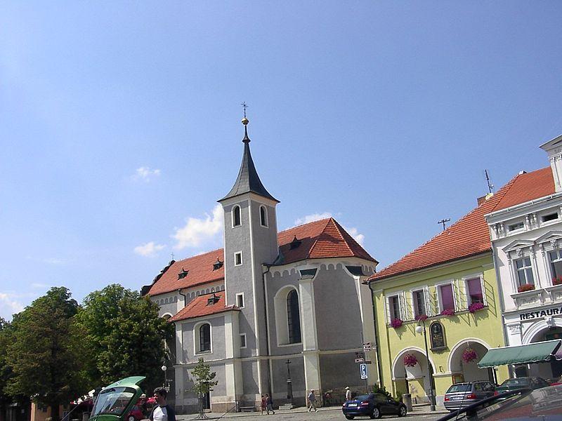 Soubor:Domazlice kostel Nanebevzetí Panny Marie.jpg