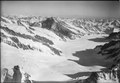 ETH-BIB-Jungfraujoch, Blick nach Südosten (SE), Gross Wannenhorn-LBS H1-012835.tif