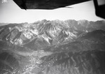 ETH-BIB-Marmorbrüche von Carrara von S.W. aus 1800 m Höhe-Kilimanjaroflug 1929-30-LBS MH02-07-0392.tif