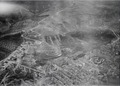 ETH-BIB-Terassierte Hänge über einer Stadt-Tschadseeflug 1930-31-LBS MH02-08-0118.tif