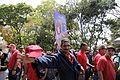 El pueblo venezolano acompañó los restos de su presidente Hugo Chávez Frías en la Academia Militar (8537950809).jpg