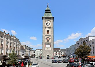 Enns (town) - Main square with the tower