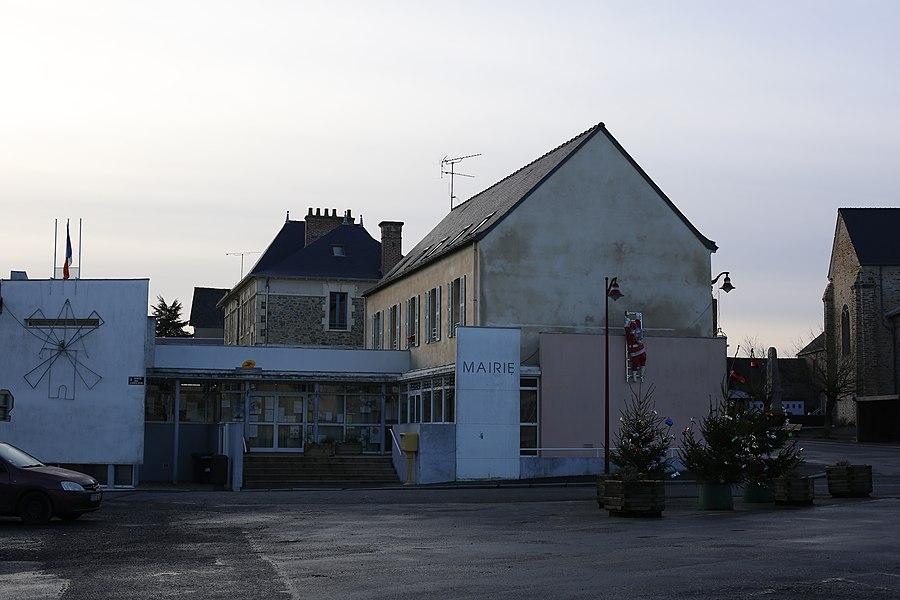 La mairie d'Ercé-en-Lamée.