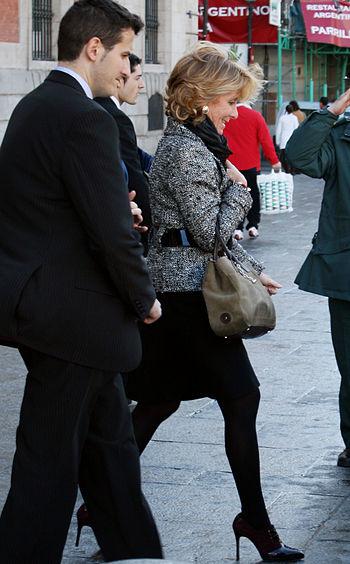 Esperanza Aguirre en la Puerta del Sol de Madrid 02 %28marzo de 2009%29