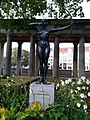 F. Lepcke Bogenspannerin statue .jpg