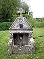 Fontaine Saint-Armel, le Vieux-Bourg, Languédias (Côtes d'Armor) DSC09653.jpg