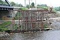 Foto-Denkmal (Reihe, wird fortgsetzt) Verlegung B173 in Flöha, Brückenbauwerk 4, rechte Stützkonstuktion für Fahrbahnschalung - panoramio.jpg