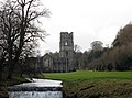 Fountains abbey and the Skell (3125554283).jpg