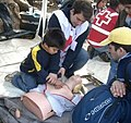 Francisco Fabian Cruzat Araya, enseñando Primeros Auxilios. 4.jpeg