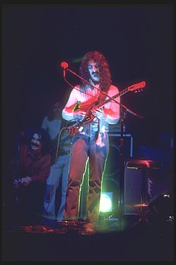 a biography of frank zappa Zappa was born frank vincent zappa in baltimore, md, on december 21, 1940 for most of his life, he was under the mistaken impression that he had been named exactly after his father, a sicilian immigrant who was a high school teacher at the time of his son's birth, that he was francis vincent zappa, jr.