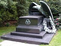 Friedrich Alfred Krupp Grabmal.JPG