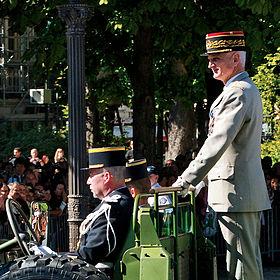 Officier Légion : Bruno DARY 280px-GMP_Bastille_Day_2008-crop