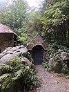 foto van Vijversburg, tuinhuis annex grot