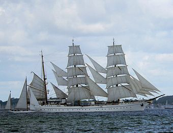 Gorch Fock under seil på Kielerfjorden 2006