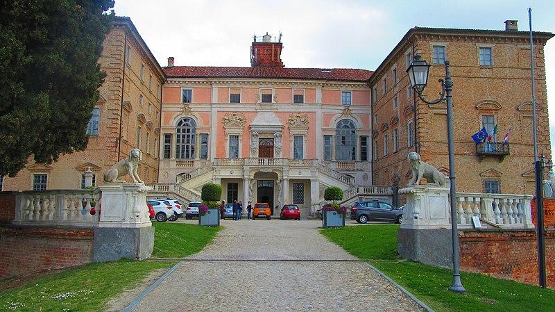 ファイル:Govone Castle 4.jpg