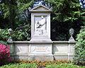 Grabstätte Familie Guerle.jpg