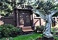 Grabstätte der Familie Fritz Petsch.jpg
