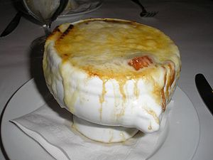French onion soup - A bowl of French onion soup
