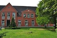 Gutshaus Wahrstorf Front 2010.JPG