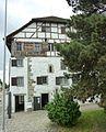 Höchhaus Küsnacht Südseite.jpg