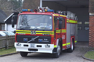 Hampshire Fire and Rescue Service - Image: Hampshire fire engine