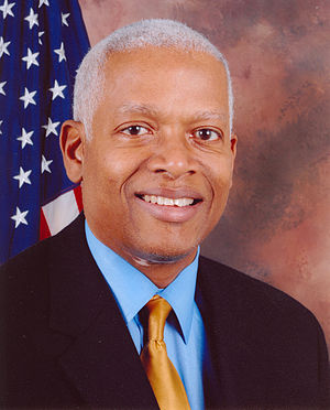 300px Hank Johnson%2C official 110th Congress photo portrait M Word:  Rep. Hank Johnson Apologizes for Using the Word Midget on House Floor