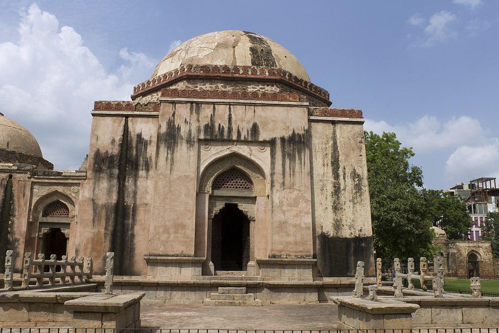 Hauz Khas Fort tourist places in Delhi